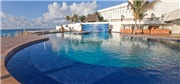 4-Night Deluxe Mexico Beachfront Resort – All-Inclusive for 2 adults + 2 kids ONLY $399 with ALL Meals, Unlimited Drinks, More – SAVE OVER 70%